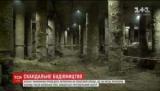 У КМДА пообіцяли перевірити будівництво на Поштовій площі на місці розкопок вулиць часів Київської Русі (відео)