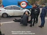 У Києві на пішохідному переході збили жінку (фото)