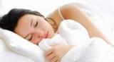 Медики рассказали, кому особенно полезен дневной сон